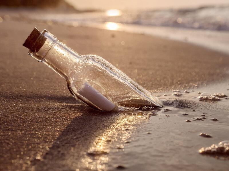 Flaskepost på stranden og god kommunikation